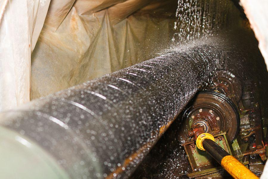 Услуги изоляции труб. Производственная линия по нанесению антикоррозионной  изоляции от Антикор Полимер.